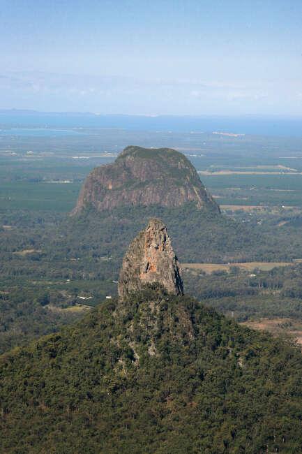 Mount Coonowrin, Mount Tibrogargan