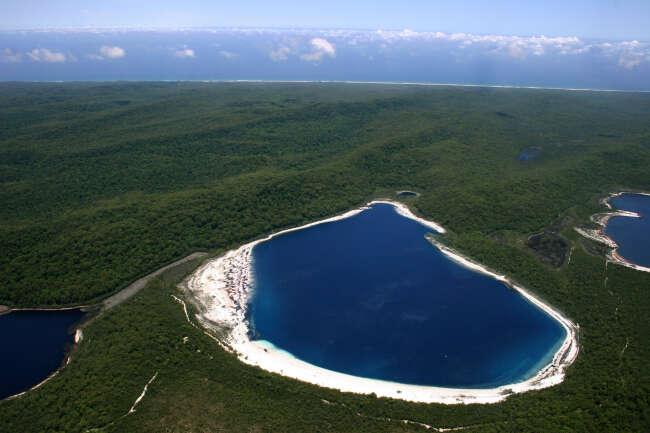 Fraser Island 4581, Lake Birrabeen