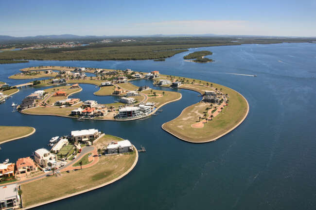 Sovereign Islands, Paradise Point 4216