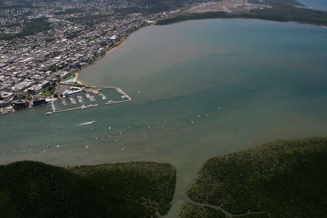 Cairns 4870