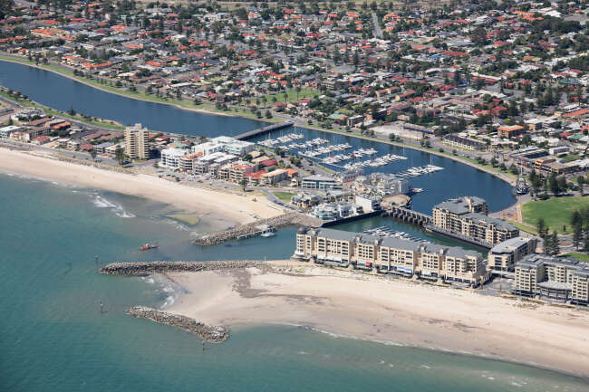 Glenelg North 5045