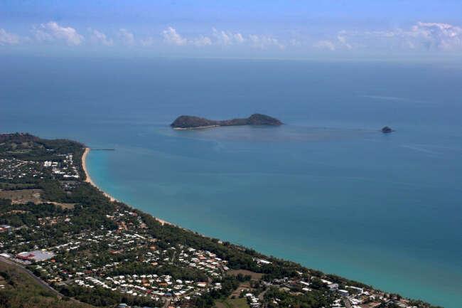 Palm Cove 4879, Clifton Beach 4879