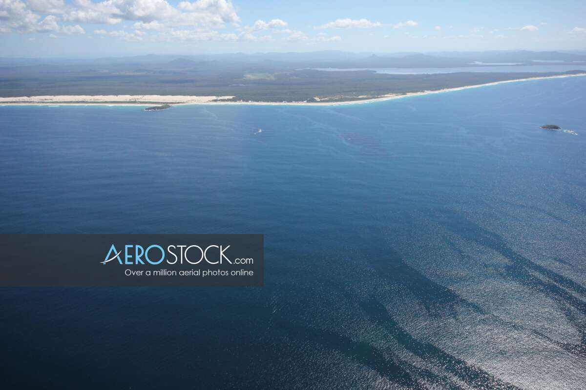 Sharp and finely detailed snapshot of Hawks Nest, Mid-Coast.