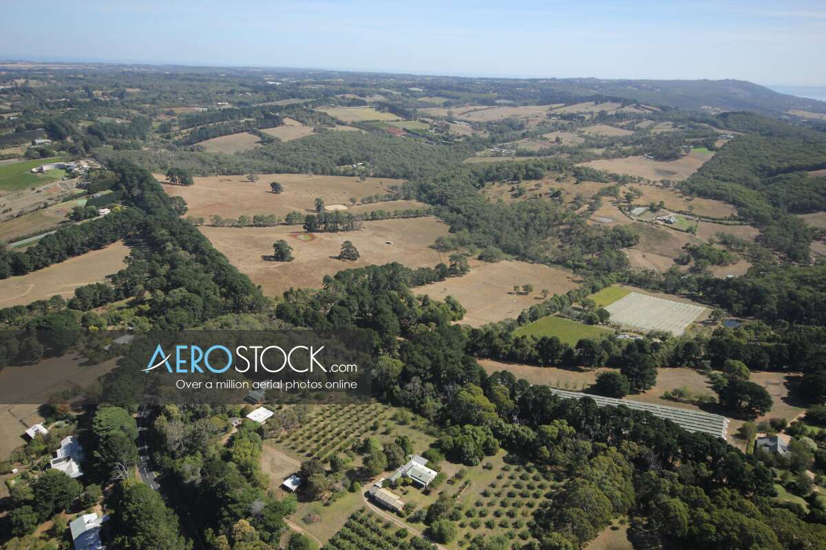 Sharp and finely detailed panoramic aerial photo of Merricks North.