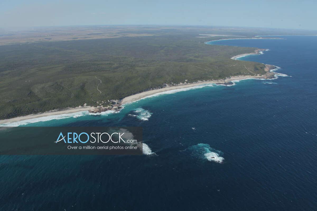 Full size panoramic aerial photo of Coomalbidgup.