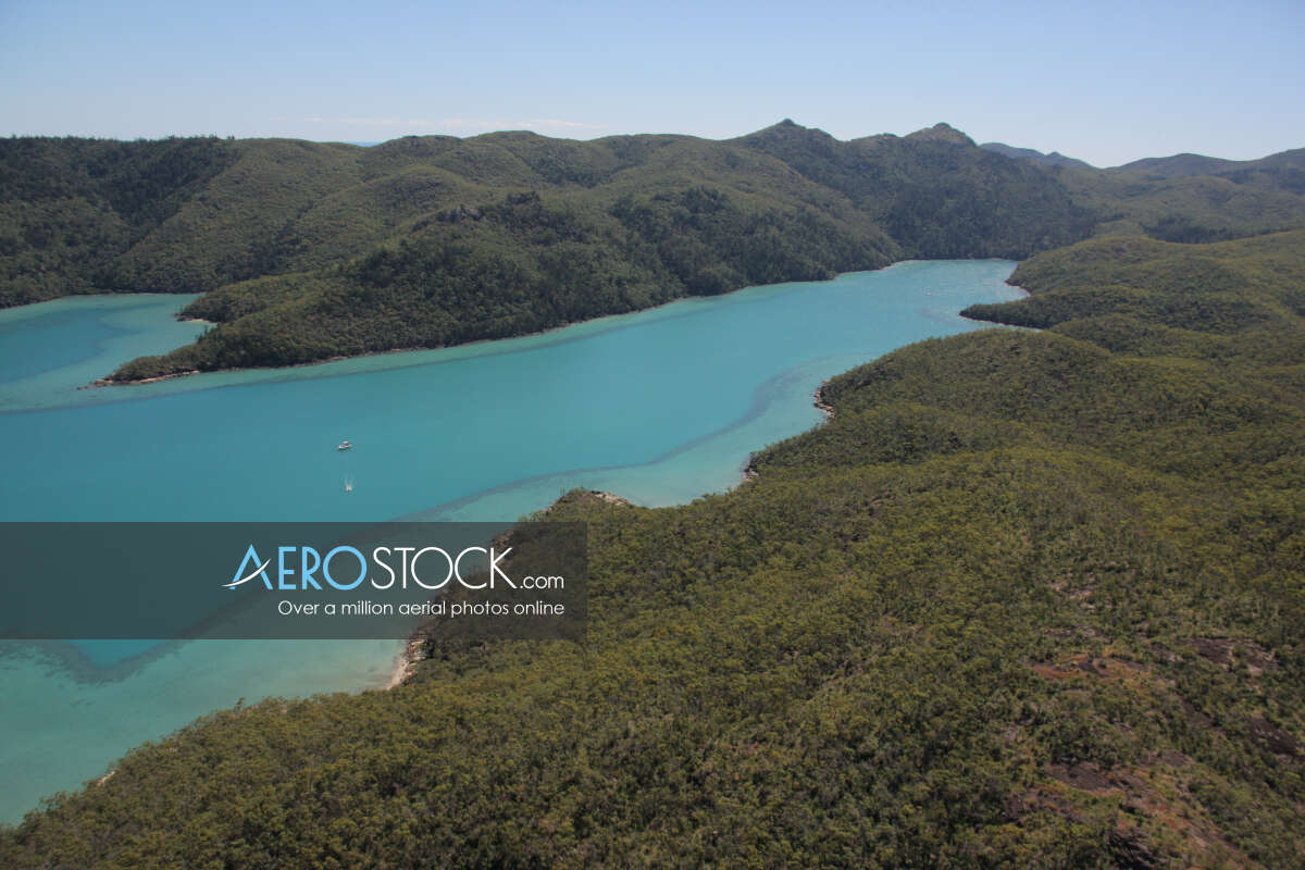 Full size pic of Whitsunday ready to download.
